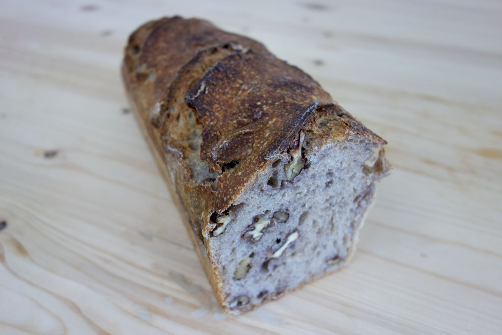 Le fruitier aux noix de la boulangerie café le Pain salvator